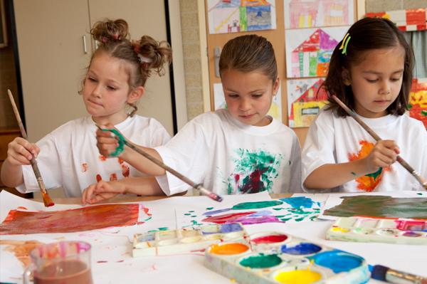 طراحی بازی گروهی به منظور کاهش رفتارهای قلدری در کودکان / آیلار رزاقی و نیلوفر علوی