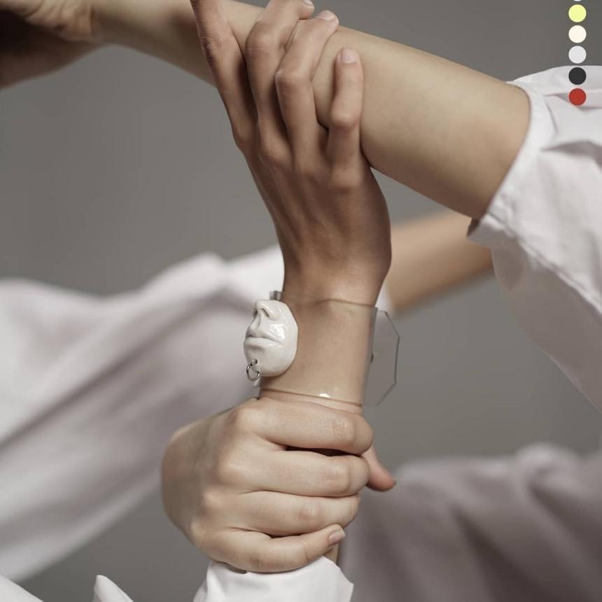 دستبند ترنسپرنت