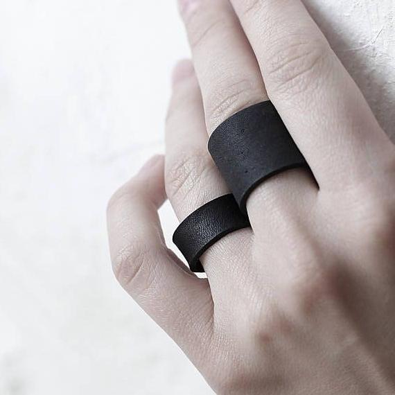 انگشتر چرمی ساده ۲