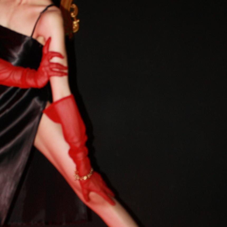 دستکش توری قرمز بلند