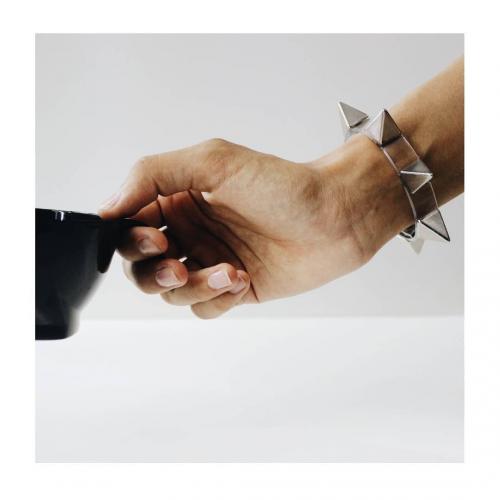 دستبند هرمی