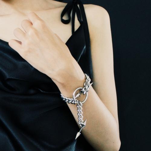 دستبند زنجیری اسپایکی
